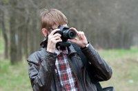 Mężczyzna fotografujący